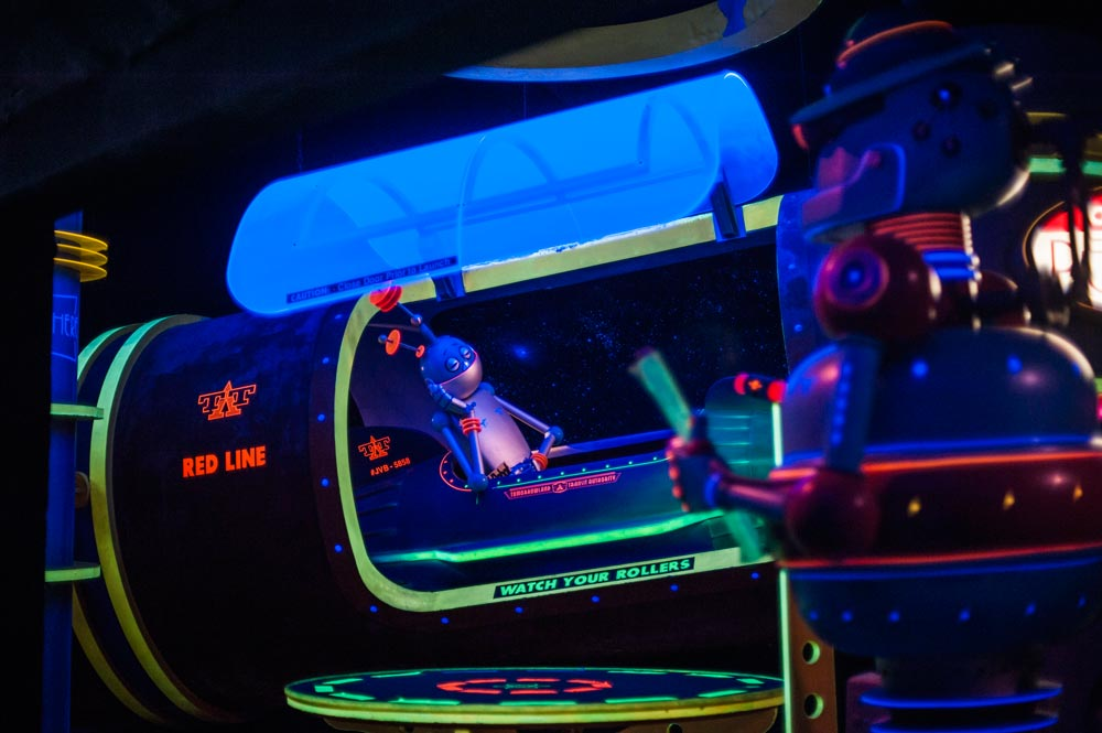 robot space mountain