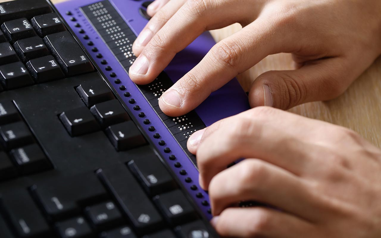 using braille keyboard
